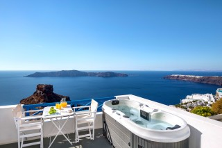 santorini_jacuzzi_apartment-01