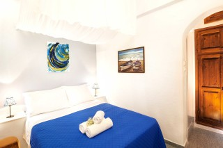 santorini_jacuzzi_apartment-08
