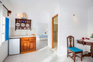 Suite with outdoor jetted tub and caldera view annio interior