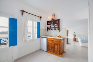 Suite with outdoor jetted tub and caldera view annio kitchen